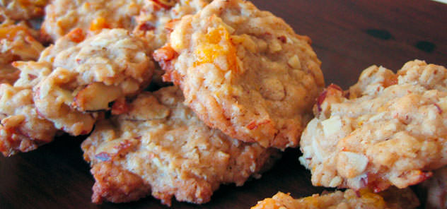 Oatmeal Apricot Almond Cookies