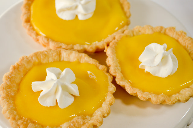 Finished lemon tarts