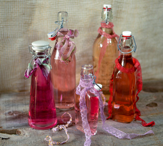 Bottled infused vinegar