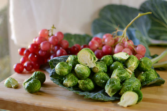 Brussels sprouts and red grapes