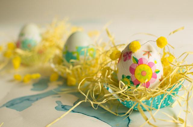 Paper-decorated eggs