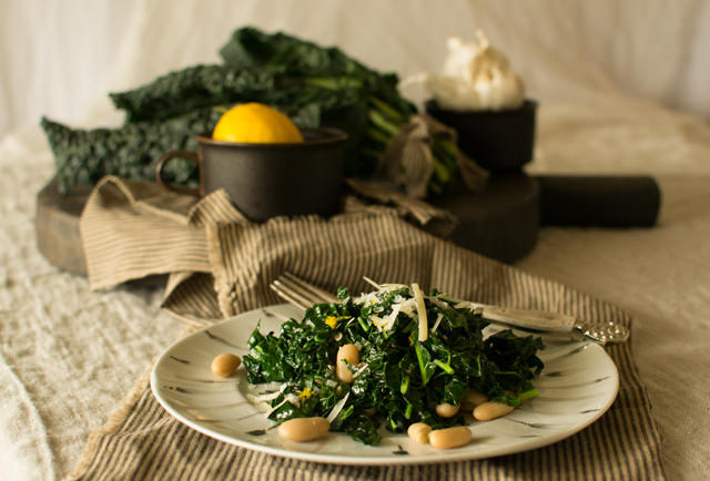 Garlicky Kale with Beans