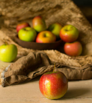 Braeburn Apples