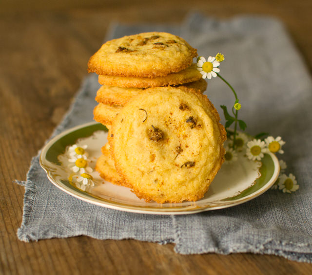 Chamomile Cookies with Browned Butter