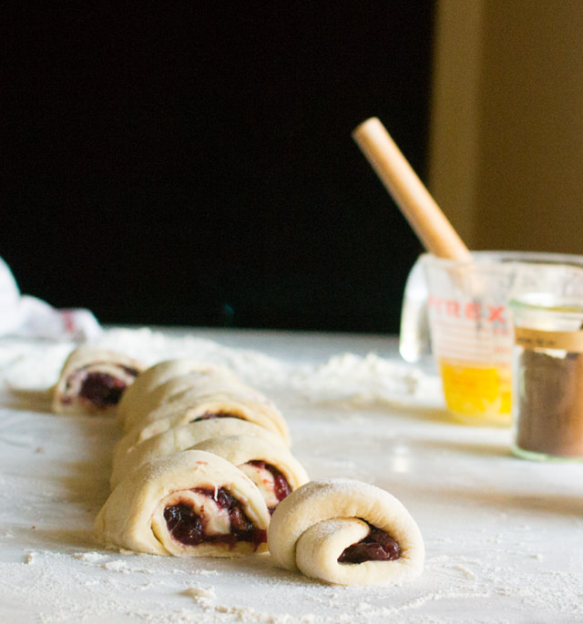 Making Fig Sweet Rolls