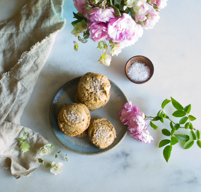The Amazing Five Ingredient Peanut Butter Cookie